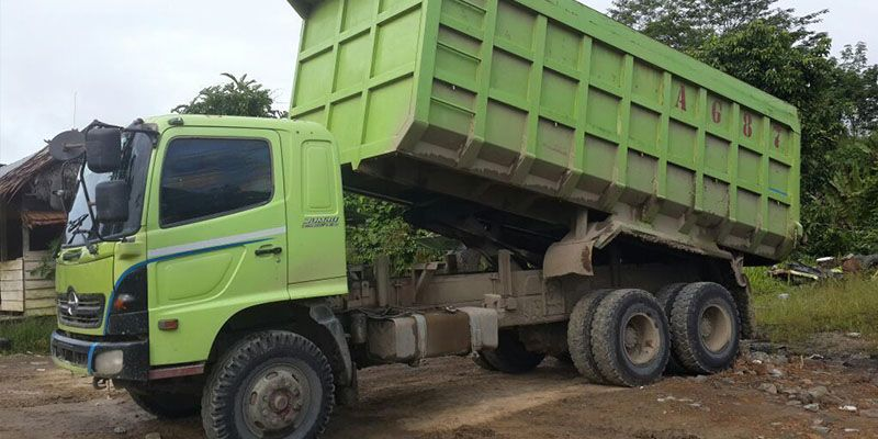 Hasil gambar untuk dump truck