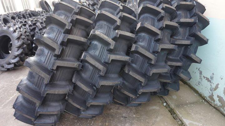 Kumpulan ban traktor
